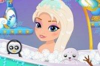 Baby Elsa fa il Bagno